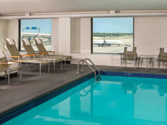 Swimming-pool-Westin-Detroit-Metropolitan-Airport