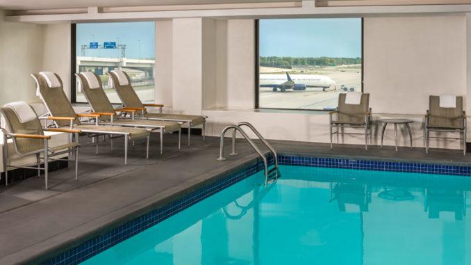 Swimming-pool-Westin-Detroit-Metropolitan-Airport
