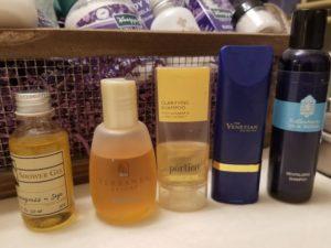hotel-shampoo-mini-bottles